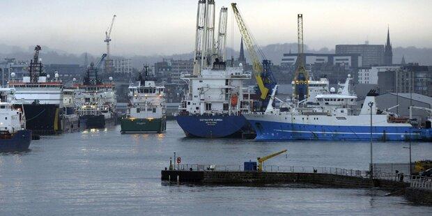 Explosion: Öltanker in Seenot