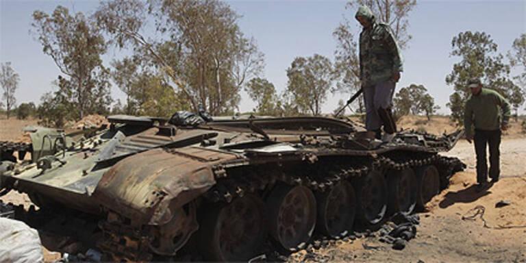 NATO: Gaddafis Truppen schwer getroffen