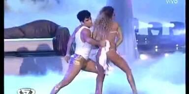 Echter Strip bei argentinischer Tanzshow