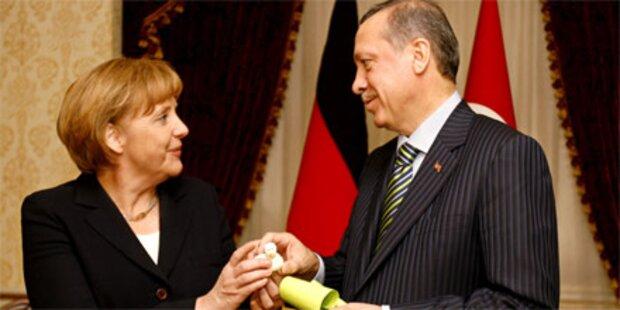 Merkel auf heikler Mission in der Türkei