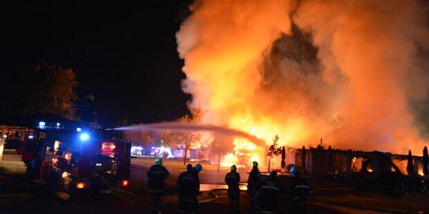 Restaurant am See brennt bis auf Grundmauern ab