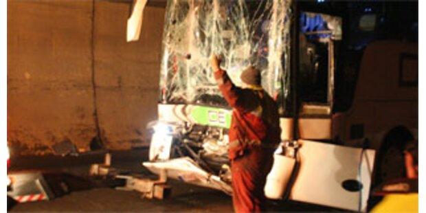 Schwerer Auffahrunfall im Tauern-Tunnel