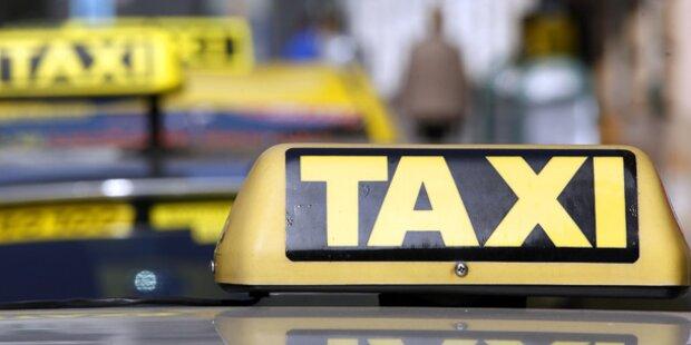 Taxis helfen Bus und Bahn