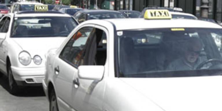 Linzer Taxler von Fahrgästen ausgeraubt