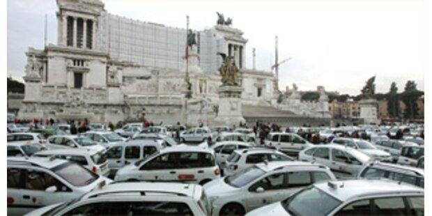 7.000 Taxler streiken in Rom
