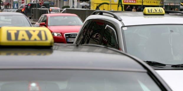 Fahrgäste bedrohten Wiener Taxilenker
