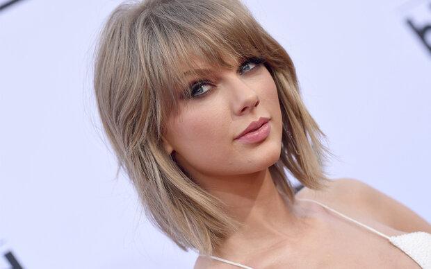 Eine Oma sieht aus wie Taylor Swift