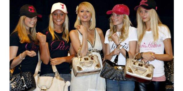 Paris Hilton präsentiert ihre