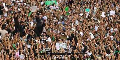 2.000 Protestierende im Iran in Haft