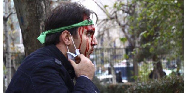 Blutige Straßenschlachten in Teheran