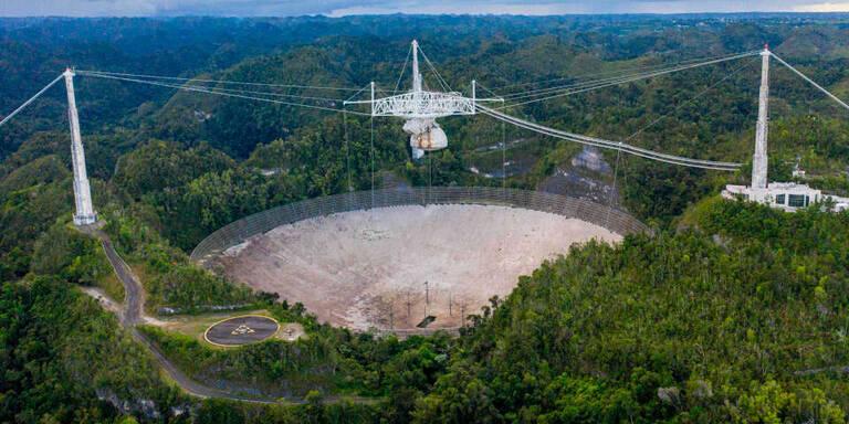 Videos zeigen Einsturz von Mega-Teleskop