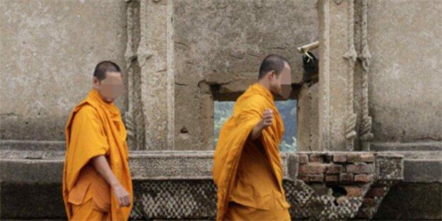 Hunderte Föten in Tempel entdeckt