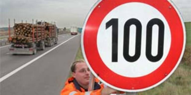 Tempo 100 auf Tiroler A12 bei schlechter Luft