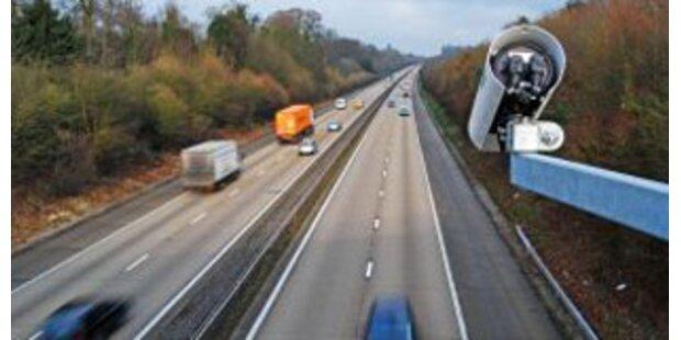 Polnischer Pkw mit 203 km/h auf A1 geblitzt