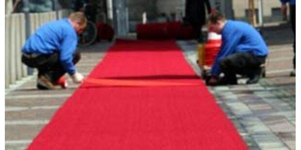 Endlich roter Teppich für Opernballgäste