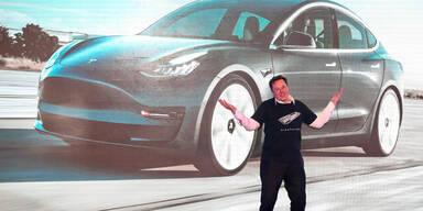 Elon Musk mit neuem Wunder-Akku
