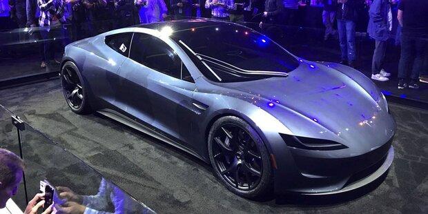 Tesla greift mit Roadster und E-Lkw an