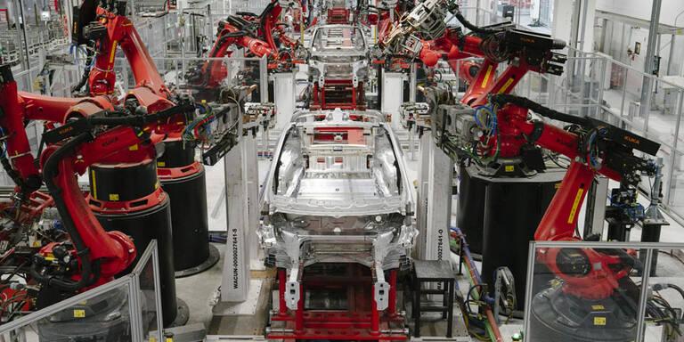 Tesla fertigt trotz Verbot: Elon Musk droht Haft