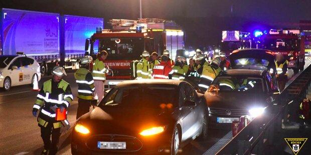 Tesla-Fahrer bremste kollabierten VW-Lenker ab