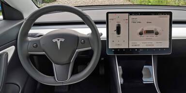 Tesla-Fahrer müssen jetzt für Internet-Zugang bezahlen