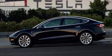 Tesla schickt das Model 3 ins Rennen