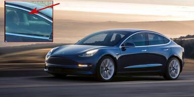 Video: Tesla-Fahrer schläft bei 120 km/h