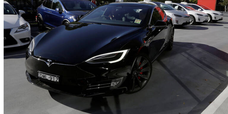 Tesla Model S: 900 km mit einer Akkuladung
