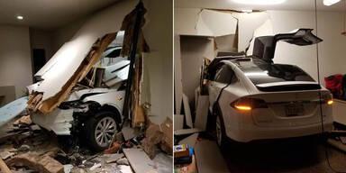 Tesla soll von alleine in Haus gekracht sein