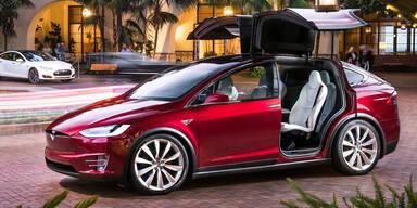 Tesla fuhr erstmals Gewinn ein