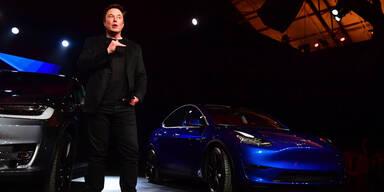 """Elon Musk: """"Tesla verkauft bald keine Autos mehr"""""""