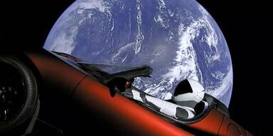Tesla-Roadster fliegt seit drei Jahren durchs All