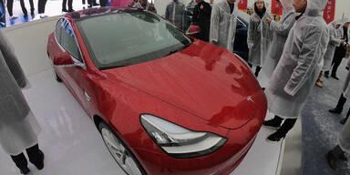 Schlechte Qualität: Tesla muss sich entschuldigen