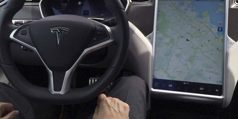 Tesla-Autopilot hielt Anhänger für Schild