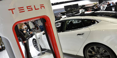 Millionen-Klage gegen Tesla