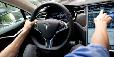 Tesla-Auto nicht schuld an tödlichem Unfall