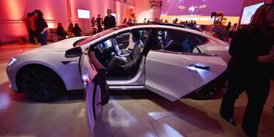 """Tesla-Chef enthüllte neues """"Model D"""""""
