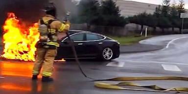 So gefährlich sind brennende Elektroautos
