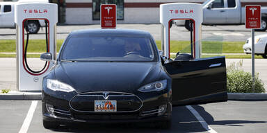 Tesla beschränkt Autopilot-Funktion