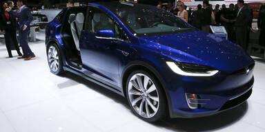 Tesla enthüllt günstiges Model 3