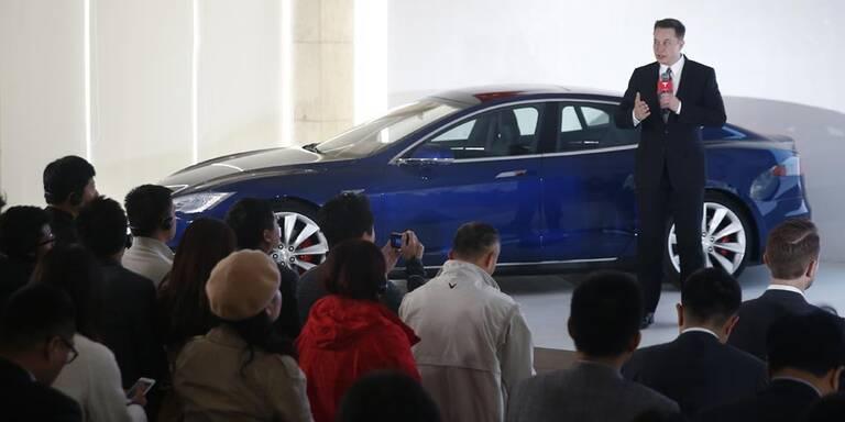 "Tesla-Chef verteidigt ""Autopilot"""