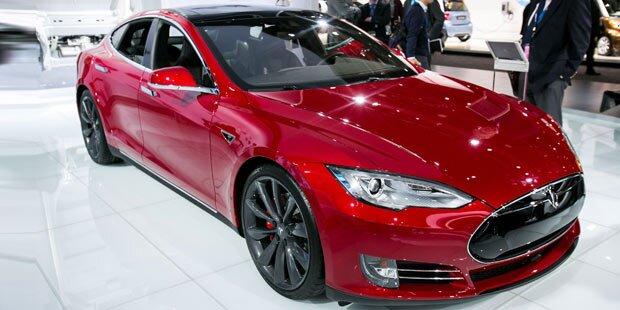 Spotify kommt gratis in Tesla-Autos
