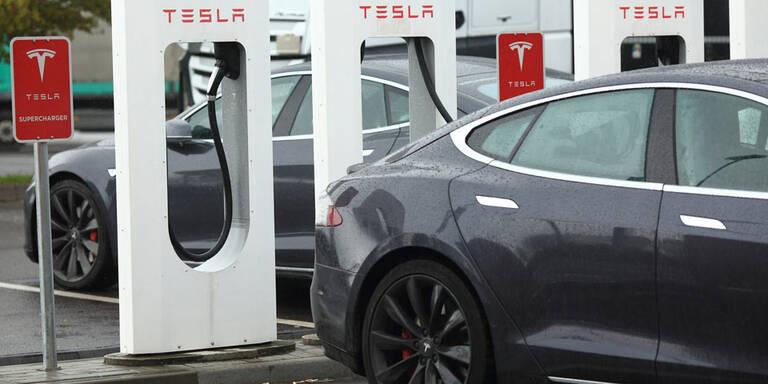 Strom für Tesla-Fahrer nicht mehr gratis