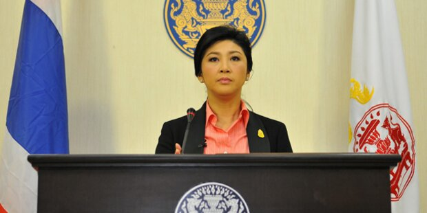 Thailands Premier setzt Neuwahlen an