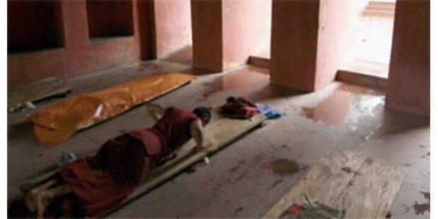 Elefanten trampelten Mönch beim Meditieren tot