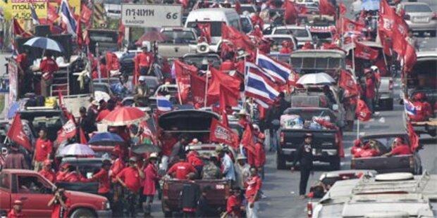 Opposition startet Marsch auf Bangkok