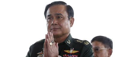 Thailand: Juntachef zum Premier gewählt