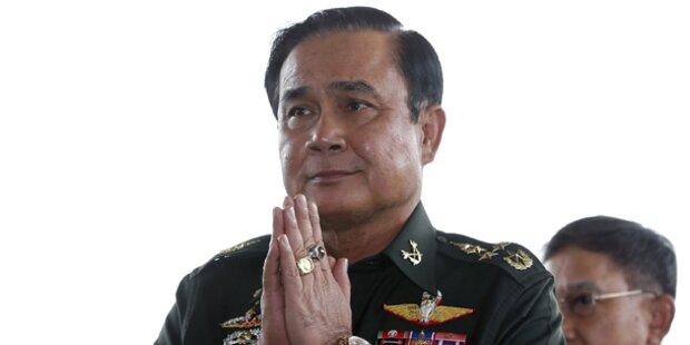 Thailand: Ex-Ministerpräsidentin in Haft