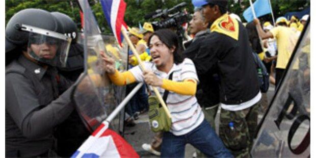 Druck auf thailändische Regierung wächst