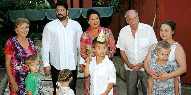 Netrebko schmeißt Kinderparty für Tiago
