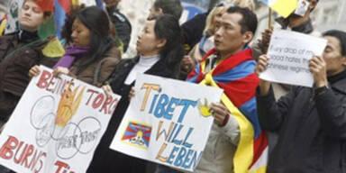 Tibeter demonstrieren gegen Staatschef